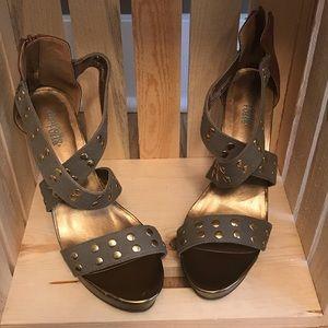 Olive green platform heel sz 8